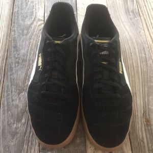 Men's size 11 Puma Liga Black Suede - Excellent